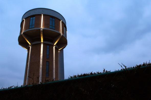 La casa de la torre de agua