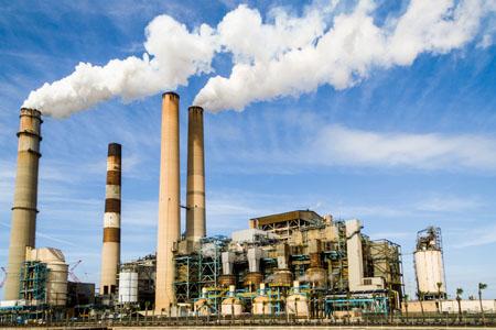 Chimeneas industriales. Imagen de Pixabay