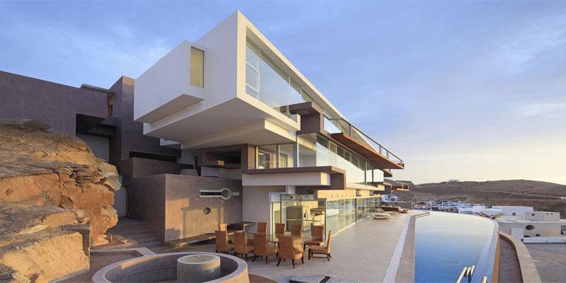 Casa entre el mar y la montaña