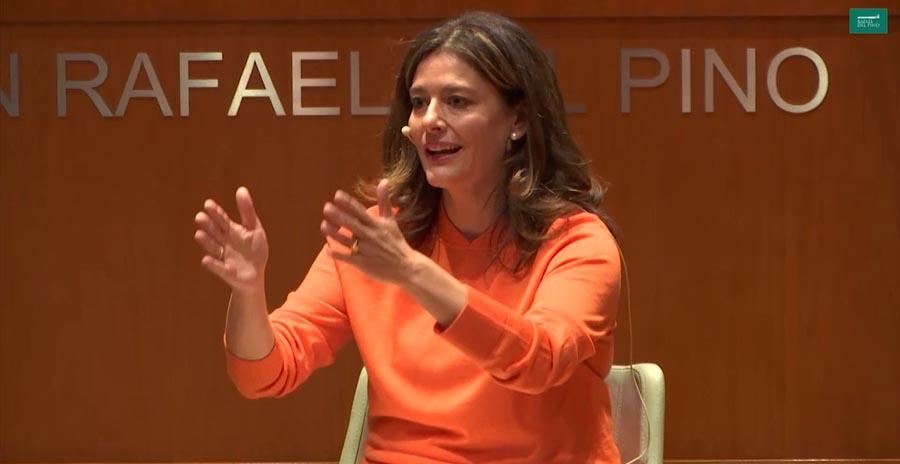 La escritora de Devuélveme el poder, Miriam Gonzalez Durández.