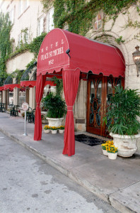 Fachada del Hotel St. Michel