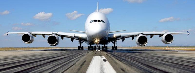 avion Jumbo en pista