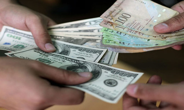 Considerando Dolarizar a Venezuela