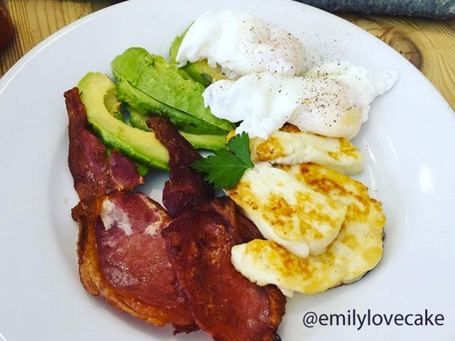 desayuno-con-aguacate