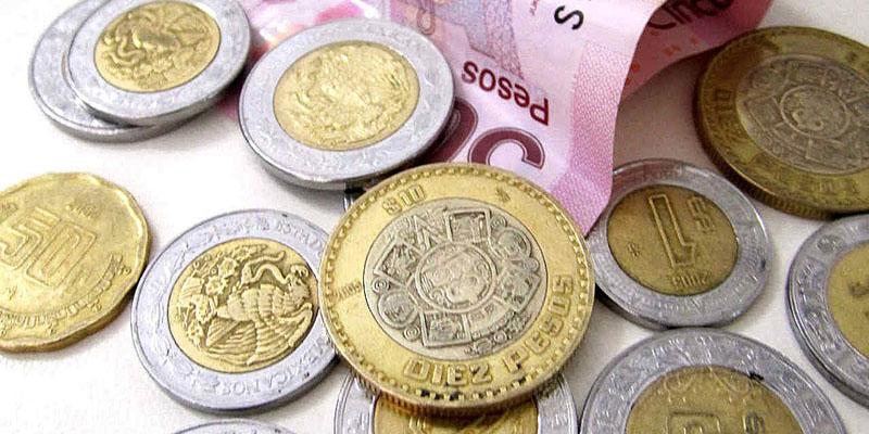 Dinero en monedas y billete