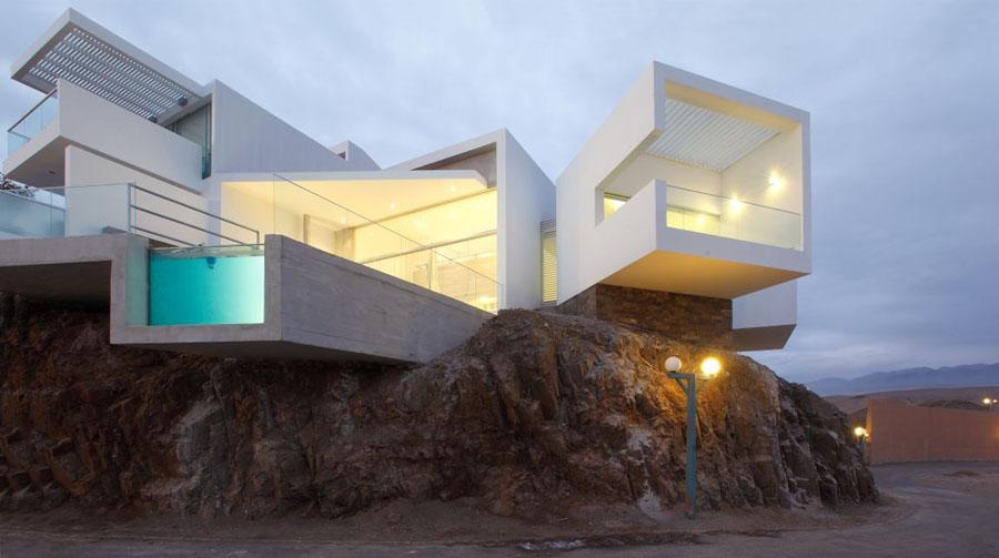 Casa de playa Las Palomas en Perú, exterior al atardecer
