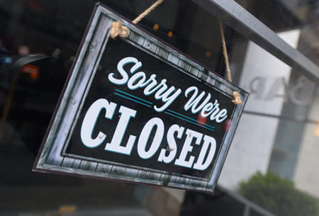 Lo sentimos, estamos cerrados. Sorry, we're closed.